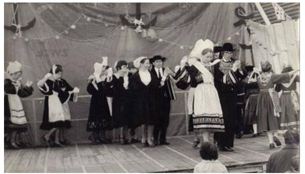 Première représentation publique de Seiz Avel en 1972